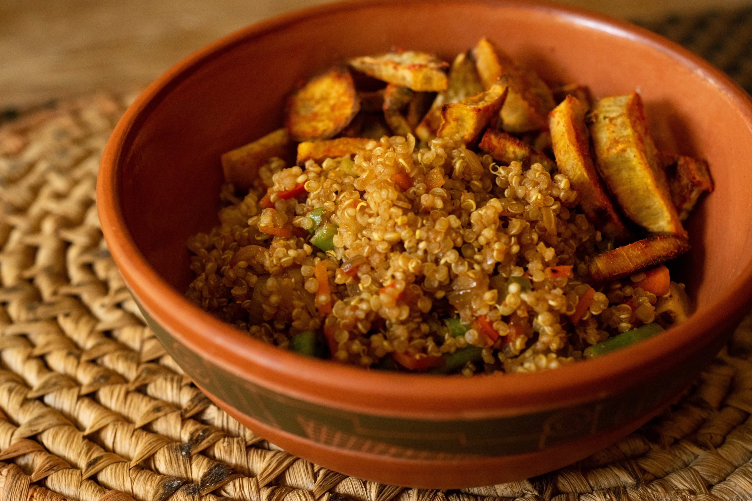 bowl of cooked quinoa